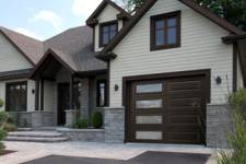 4 of the top reasons to use aluminum to cover your garage door frame